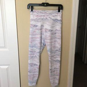 Beyond Yoga white & pastel leggings sz M 83780
